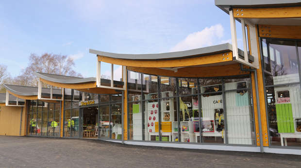 Whipsnade Visitor Centre - outside view