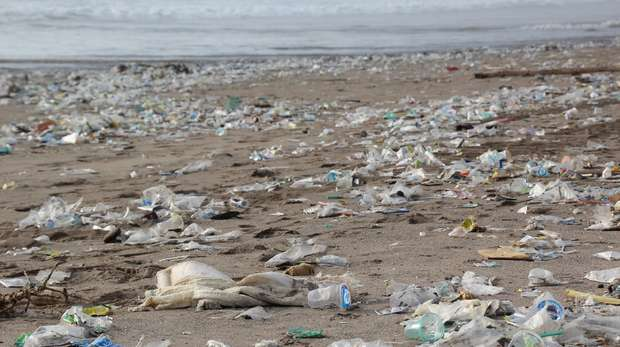 Beach plastic pollution
