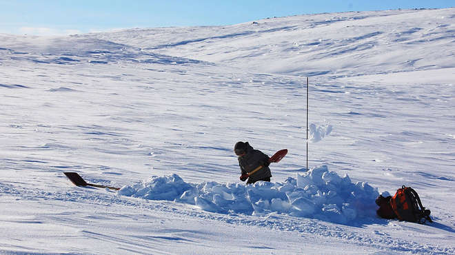 Every below-snow data point takes some effort in the Arctic. Image: Eeva Soininen