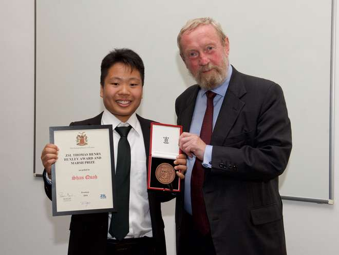 Shan Quah receives the Thomas Henry Huxley Award and Marsh Prize